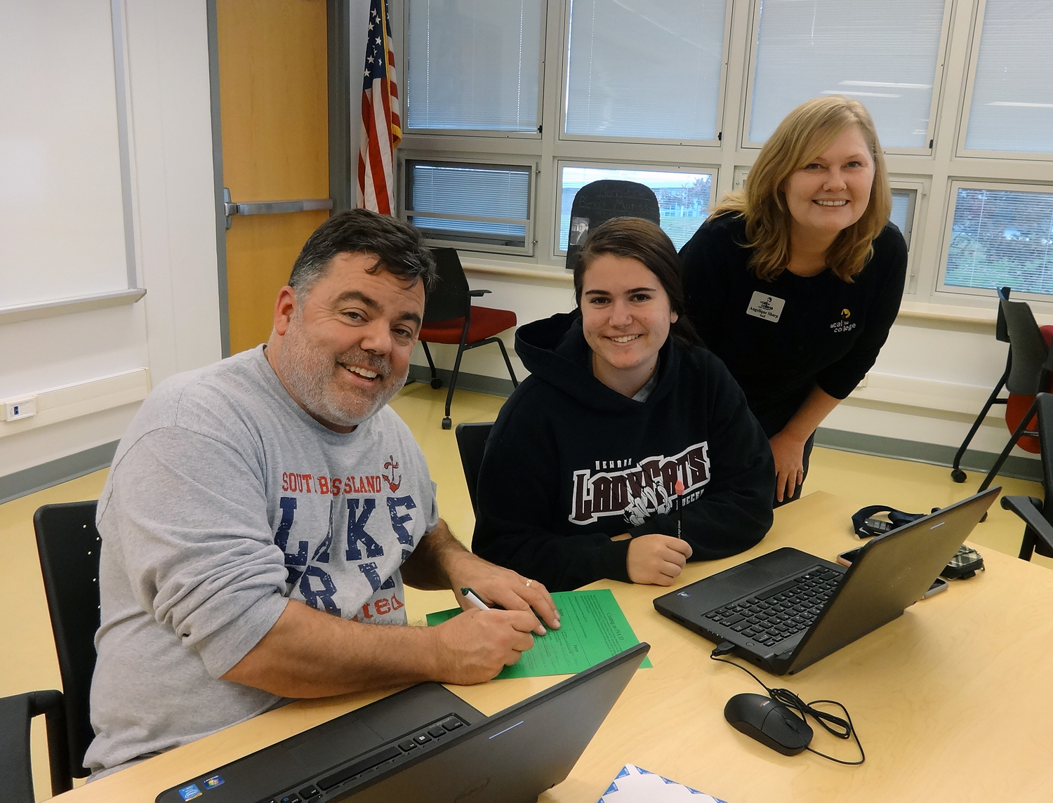 New Staff Member, Angelique Sharp, partnered with Mr. Underhill to make our FAFSA nights happen