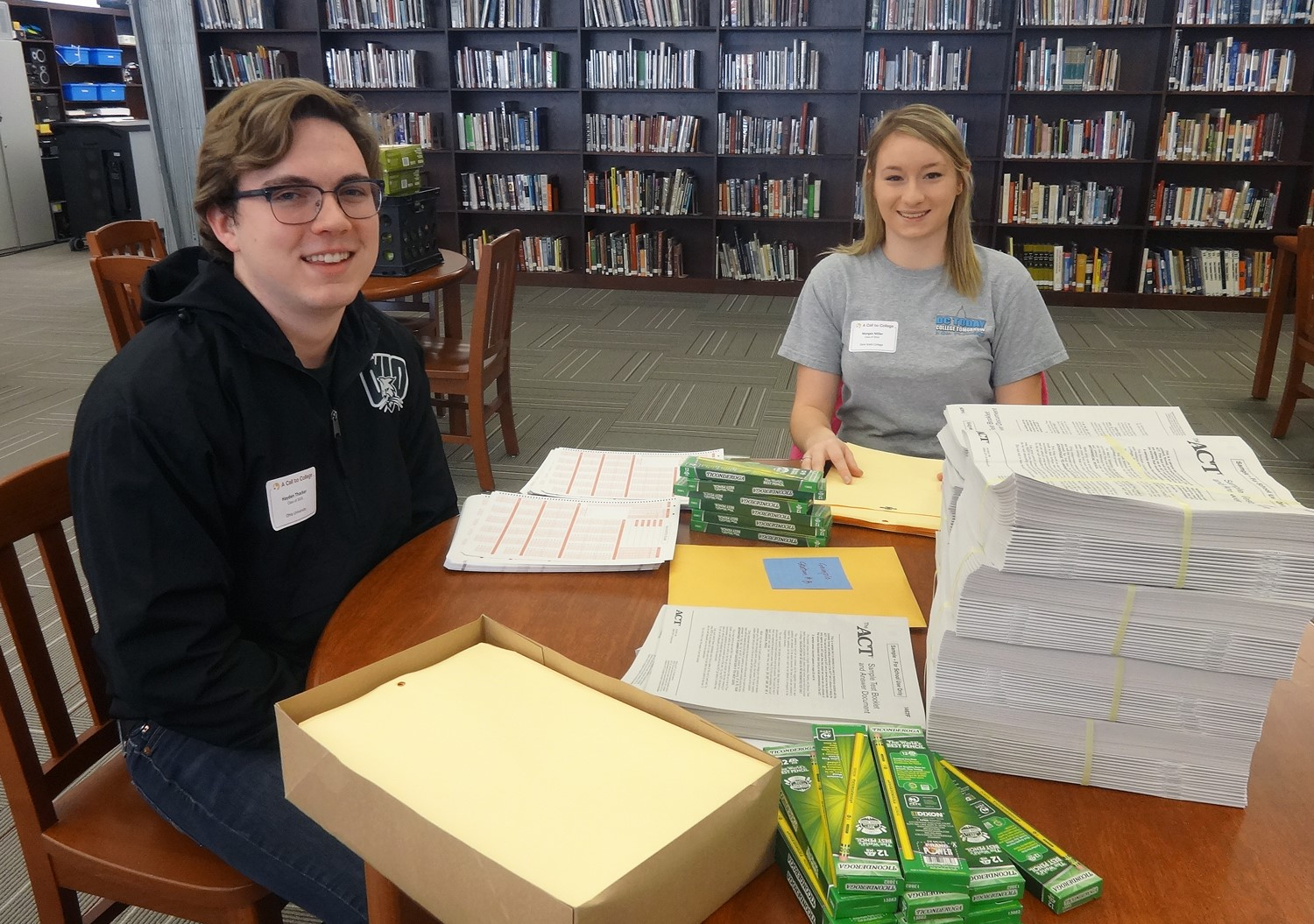During Grads GIve Back, Last Dollar Grant recipients come back to pay it forward by volunteering